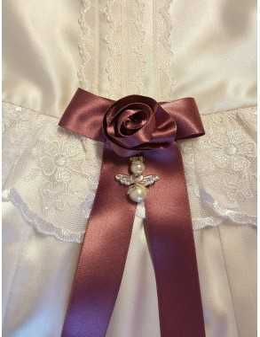 vacker Dopklänning med handgjort ros rosett