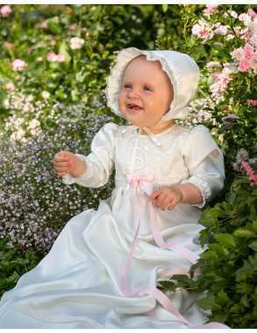 sommerdåp med vakker dåpskjole