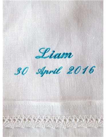 mor med baby i dåpskjole