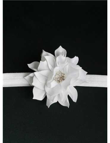 Dopklänning i traditionell stil