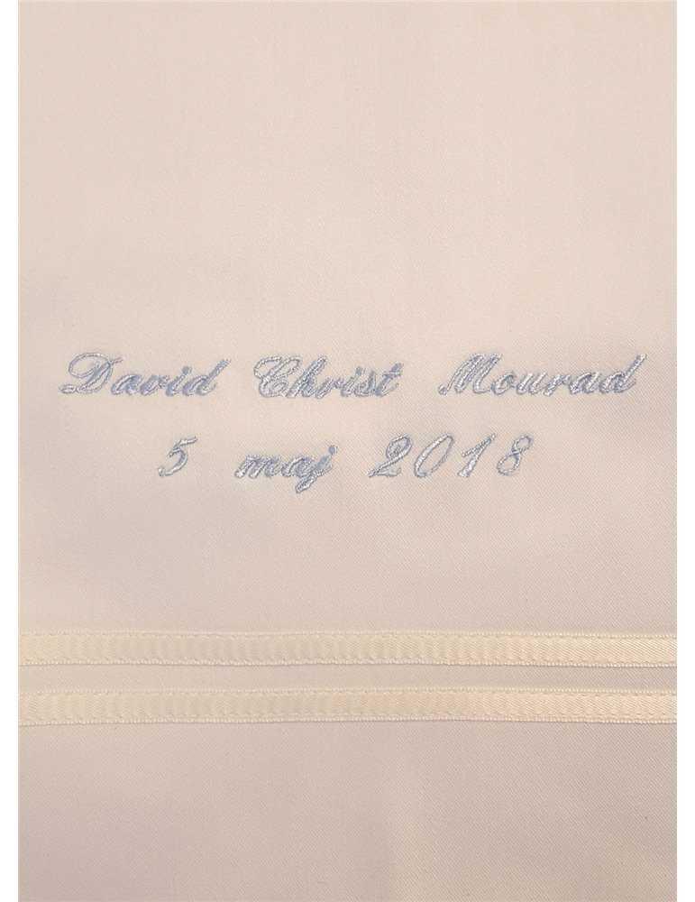 Dåpskjole i fullt bilde