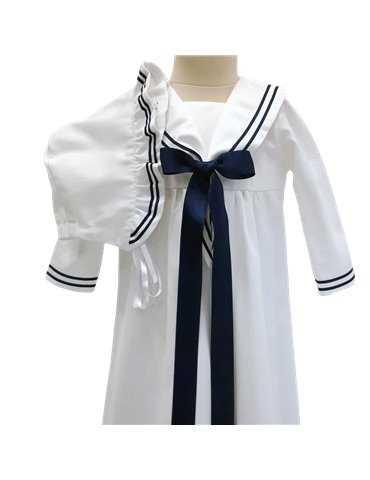 vacker Dopklänning i svensk design