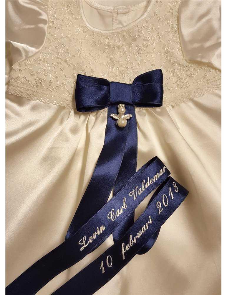 lang vakker linnedåpskjole