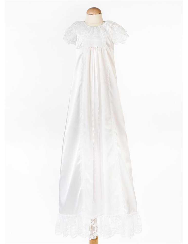 Dopklänning med stilfull gepurspets