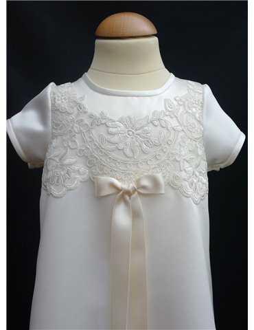flicka i ljuv Dopklänning och hätta
