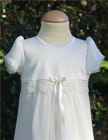 Dopklänning för pojkar med spets