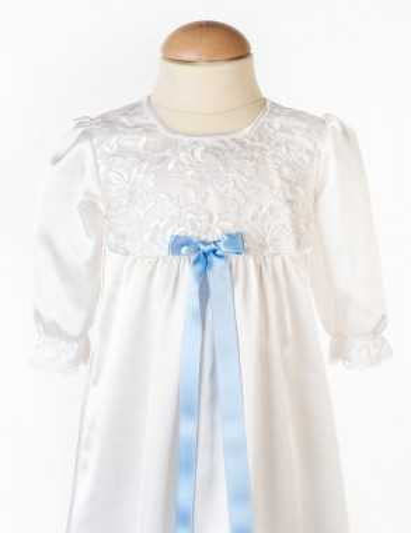 Dopklänning till pojkars dopdag
