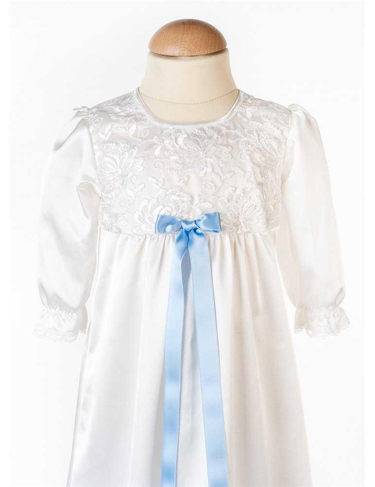 Dopklänning med vacker siden chiffong