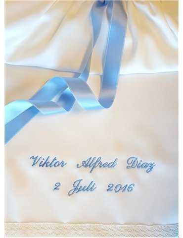 Dopklänning med sjömanskrage